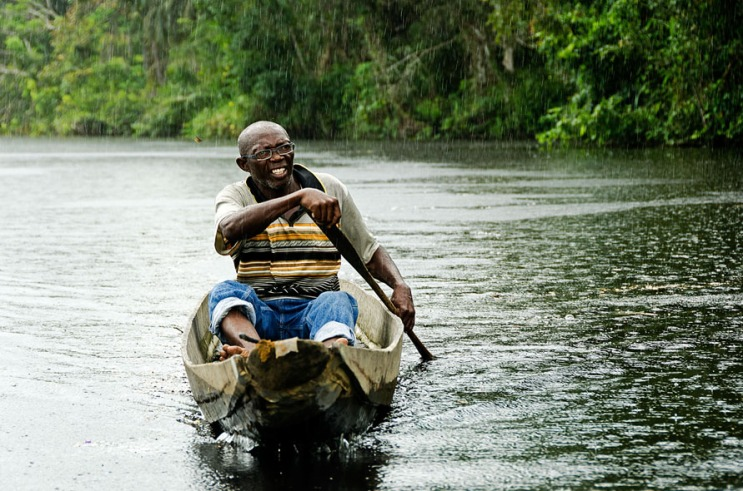 Ndyuka man on the Cottica River in Suriname