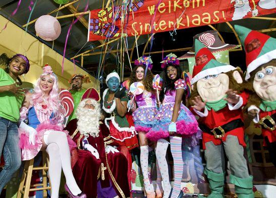 Intocht Sinterklaas in Suriname